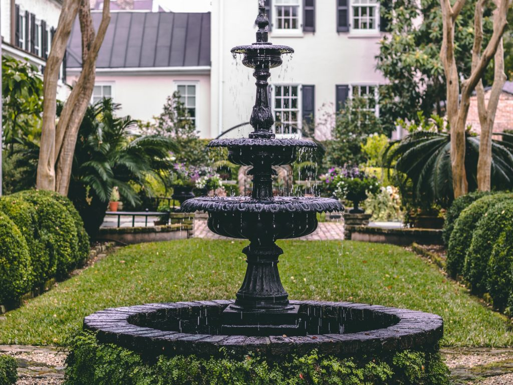fontaine de jardin en fer forgé